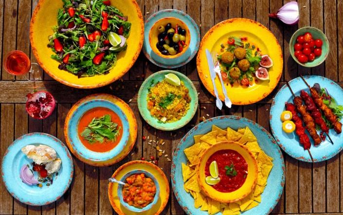 servizio tavola colorato